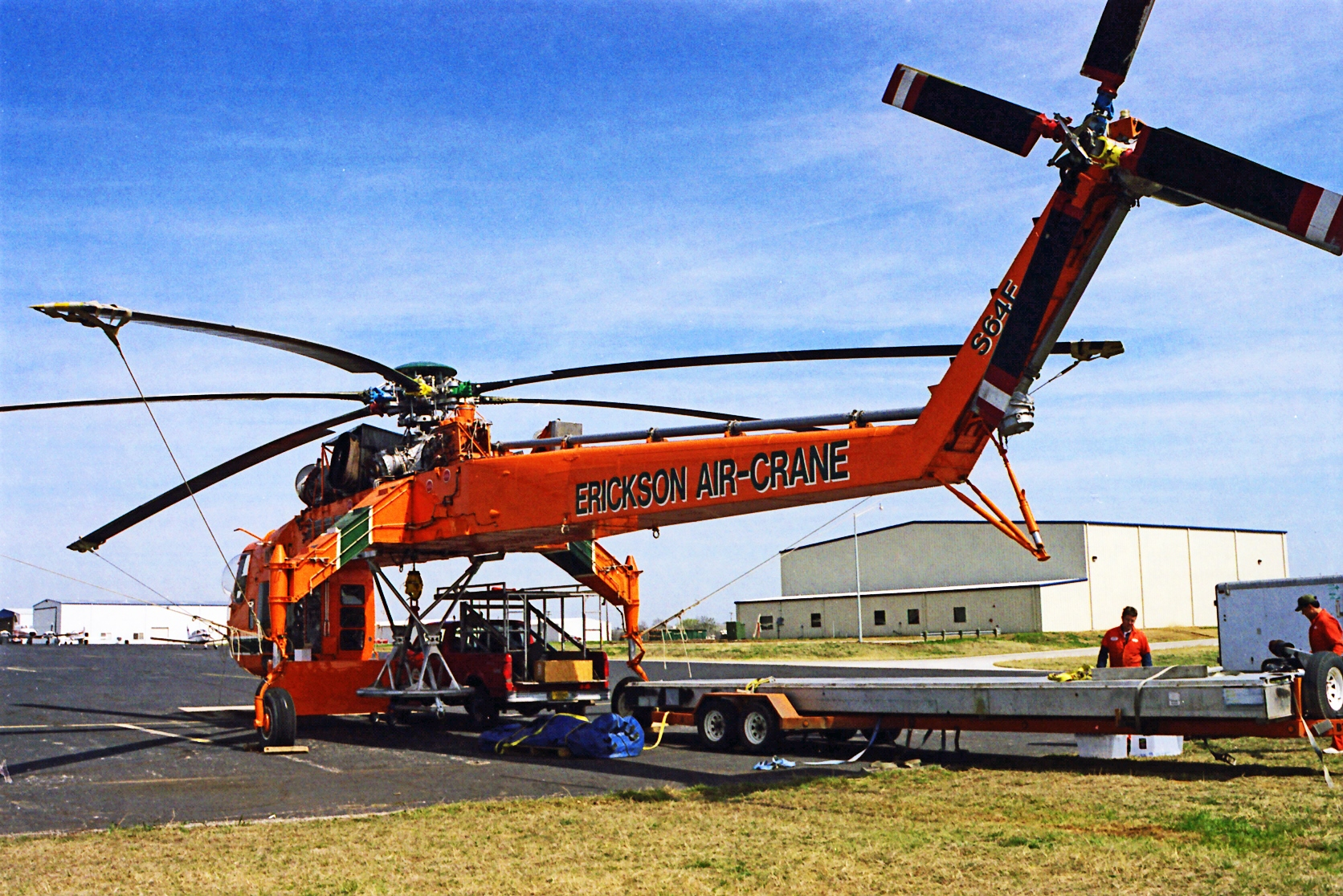 Sikorsky S-64E Skycrane water-bomber