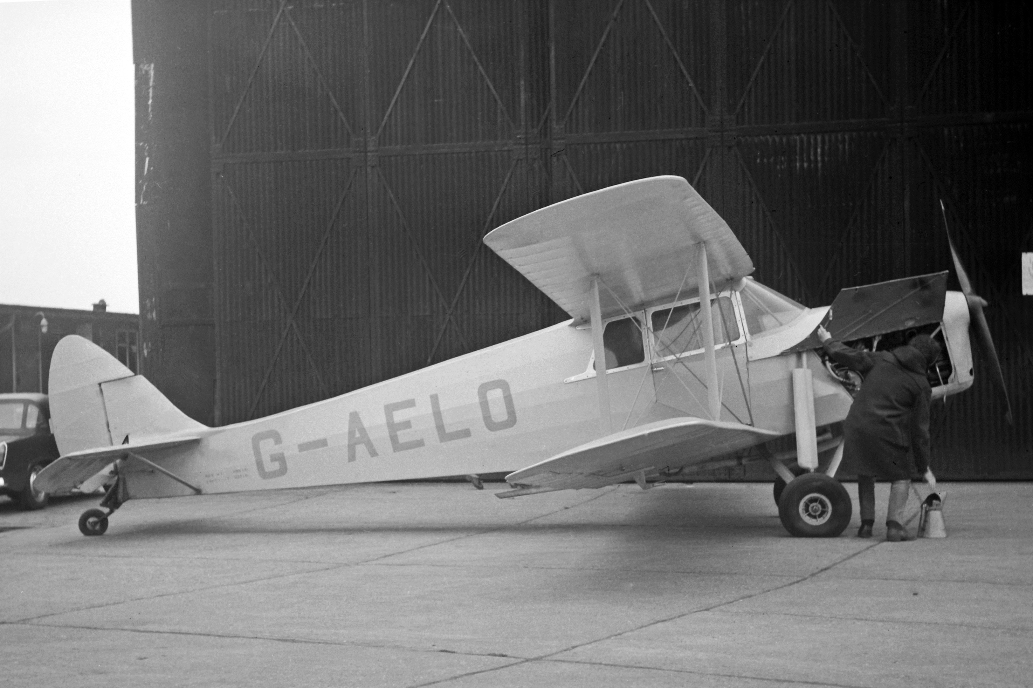 Story Behind the Photo 7: Hornet Moth G-AELO